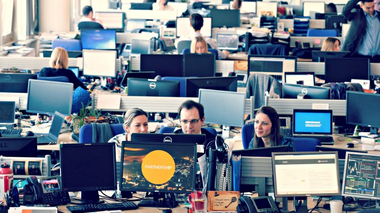 Thomson Reuters Russia office interior workspaces